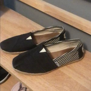 Toms Black With Ivory Striped Flats, Size 9 1/2